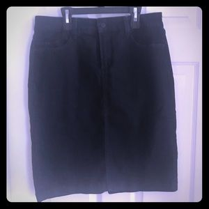 NYDJ women's size 8 dark denim skirt knee length